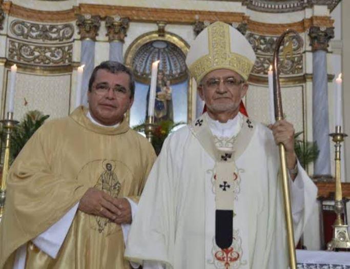 mmm - MOMENTOS DE TERROR: Monsenhor Robson e família são agredidos, feitos reféns e têm dinheiro roubado, em João Pessoa