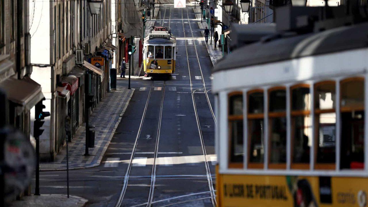 naom 5e95c892d52be scaled - Portugal volta a autorizar a entrada de turistas brasileiros