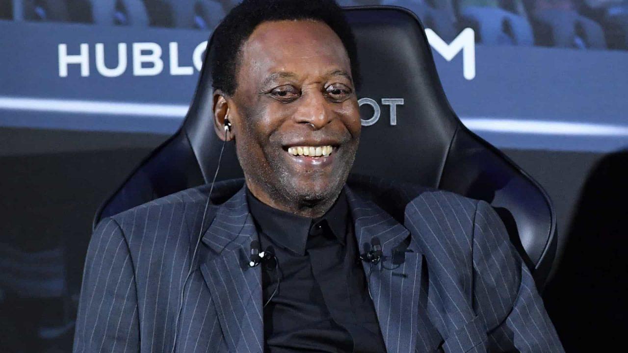 """naom 5f92912d30a3f scaled - Pelé recebe alta e deixa hospital em São Paulo: """"seguirá em quimioterapia"""""""