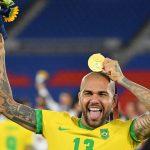naom 61113d4e39a21 150x150 - Daniel Alves tem até sexta para acertar com times do Brasil