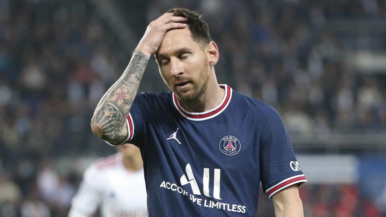 naom 6149db5e1429c scaled - Com lesão no joelho, Messi é poupado e desfalca o PSG nesta quarta contra o Metz