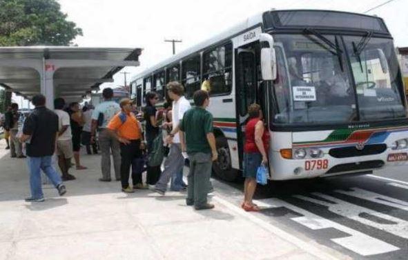 onibus - Apesar da retomada das atividades econômicas, quantidade de passageiros está 45% inferior ao registrado antes da pandemia