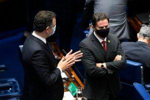 pacheco e veneziano 300x200 - Pacheco avalia devolver MP que dificulta remoção de conteúdos nas redes e Veneziano defende que Senado nem analise
