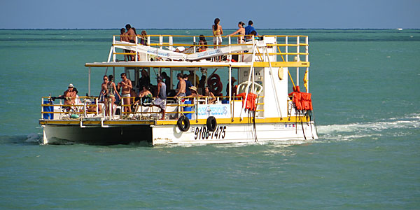 passeio para picaozinho - Embarcação fica à deriva no Litoral da Paraíba após possível problema no motor