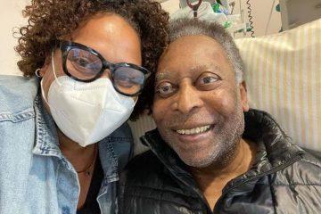 """pele e filha 360x240 - Filha de Pelé posta foto ao lado do pai e diz que ele """"se recupera bem"""""""
