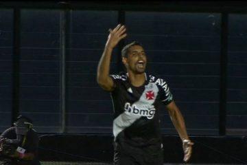 placar errado vasco 2 a 0 360x240 - Globo comete erro grave durante transmissão e exibe placar errado em partida entre Vasco e Cruzeiro - VEJA