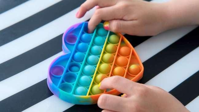 pot it - POP-IT: Brinquedo que alivia stress viraliza após macaco-prego famoso brincar com ele - VEJA VÍDEO