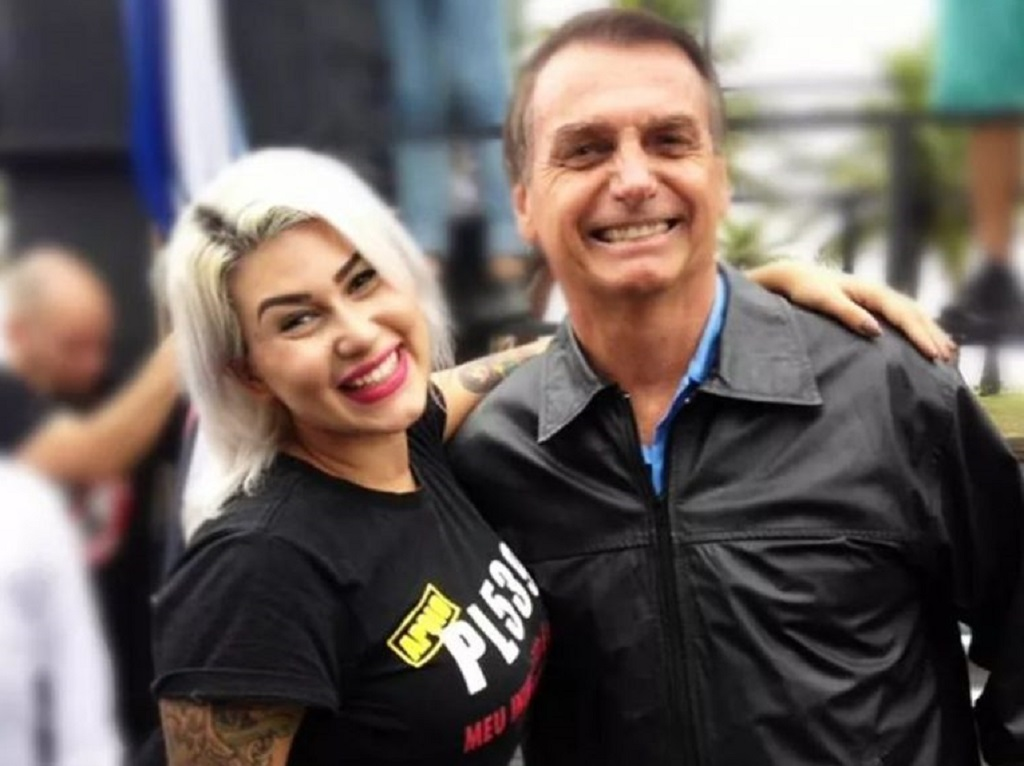 """sara winter e bolsonaro - Ex-bolsonarista Sara Winter comenta sobre os atos de 7 de setembro e diz que há duas ditaduras no Brasil: """"A do STF e a dos bolsonaristas"""""""