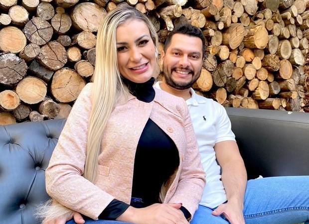 """urach - """"Não estou bem"""", diz Andressa Urach ao anunciar fim do casamento; modelo está grávida do empresário"""