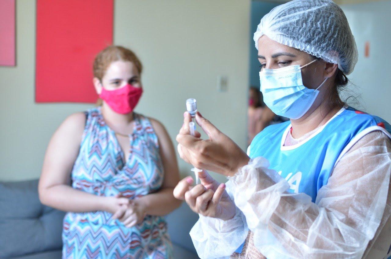 vacina campina - IMUNIZAÇÃO: Campina Grande aplica terceira dose para imunossuprimidos nesta segunda-feira