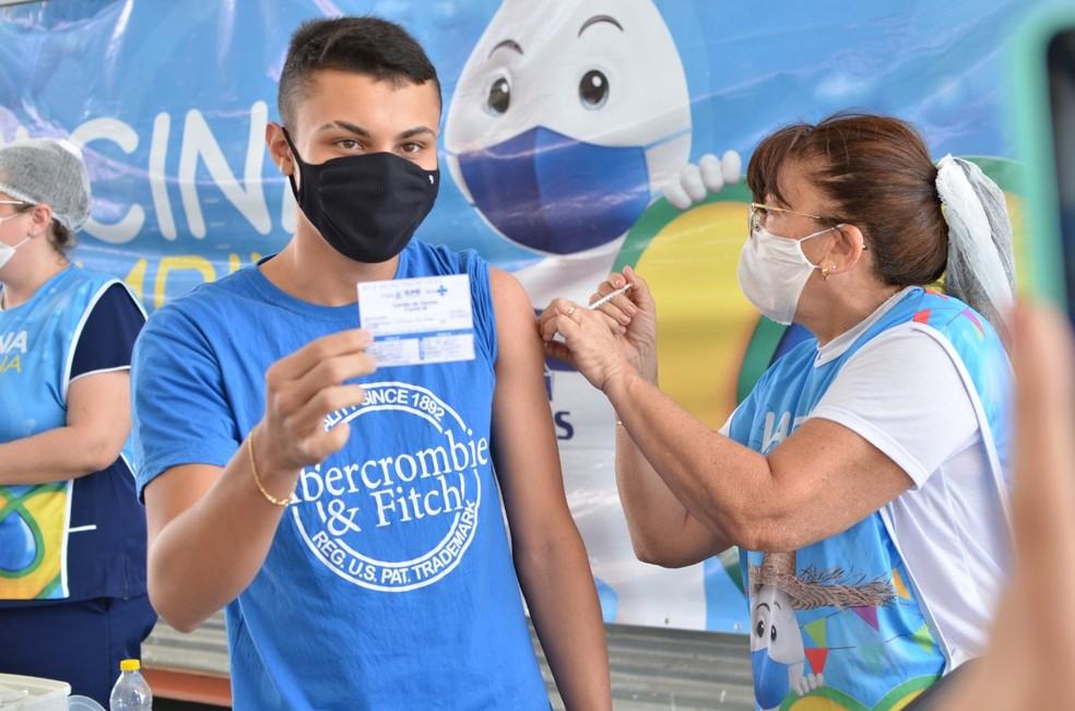 vacinacao cg - Campina Grande vacina contra Covid-19 adolescentes a partir de 16 anos nesta segunda-feira