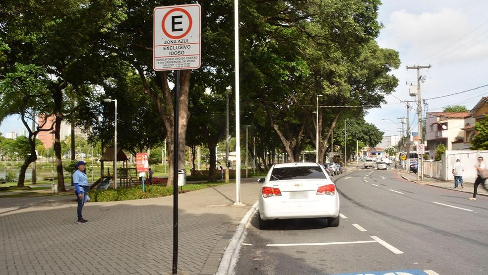vagas de estacionamento rotativo no entorno da lagoa foram disponibilizadas pela semob jp nesta quinta feira 7  - 'MAPA DE CALOR': Motoristas poderão encontrar vagas na 'Nova Zona Azul' em João Pessoa através de um aplicativo - ENTENDA