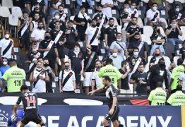 Em clássico pela Série B, Vasco e Cruzeiro empatam em partida marcada pela volta da torcida em São Januário