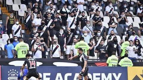 vasco torcida - Em clássico pela Série B, Vasco e Cruzeiro empatam em partida marcada pela volta da torcida em São Januário