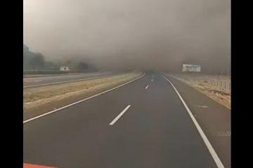 vii 360x240 - Vídeo mostra momento em que caminhão quase atropela motociclista em acidente na BR-365