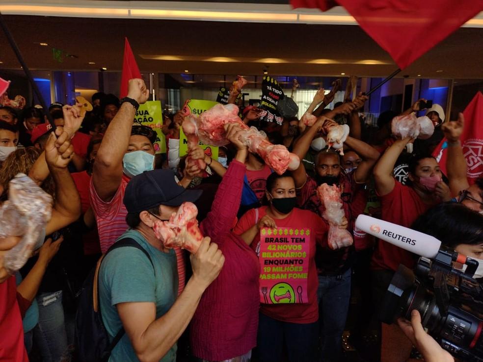 whatsapp image 2021 09 23 at 14.59.09 - Movimentos sociais invadem Bolsa de Valores, em SP, em protesto contra desemprego e inflação - VEJA VÍDEO