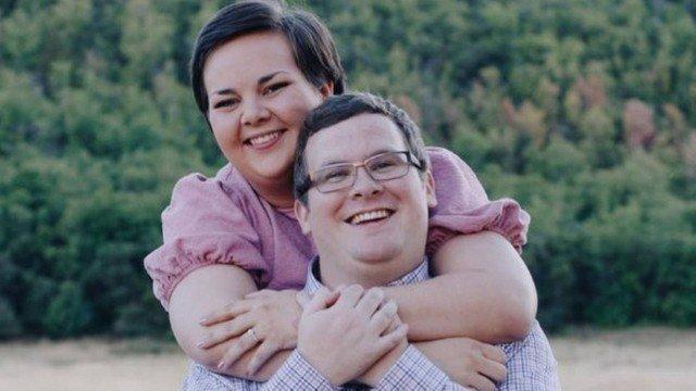 xblog couple arizona.jpg.pagespeed.ic .HZMrMgqI9k - Gay se casa com mulher hétero para atingir 'casamento celestial'