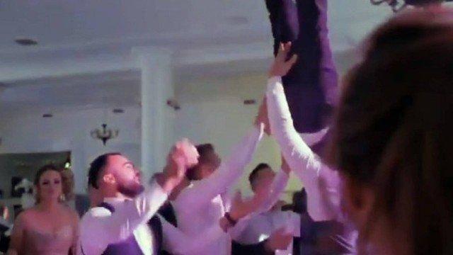 xblog spine.jpg.pagespeed.ic .K2G8jd2NVp 1 - Noivo fratura a coluna após ser jogado para o alto por convidados de casamento
