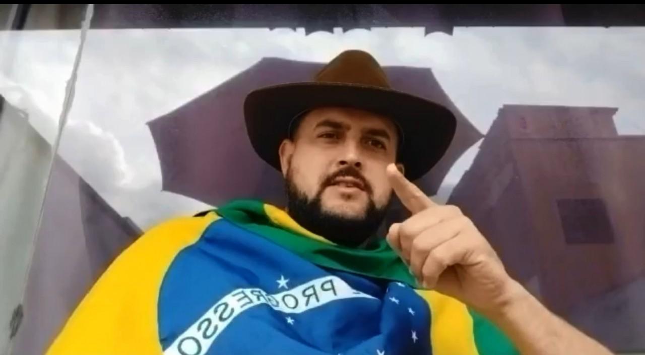 ze trovao - Na iminência de ser preso, Zé Trovão pede a caminhoneiros para retirar faixas de apoio a Bolsonaro: 'protesto é contra Moraes'