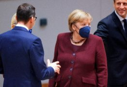 Angela Merkel é aplaudida de pé em sua última cúpula europeia