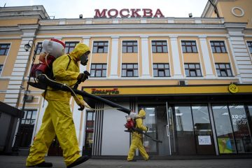 000 9qf3gu 360x240 - Rússia bate novo recorde de mortes por Covid na véspera de 'megaferiado' em Moscou