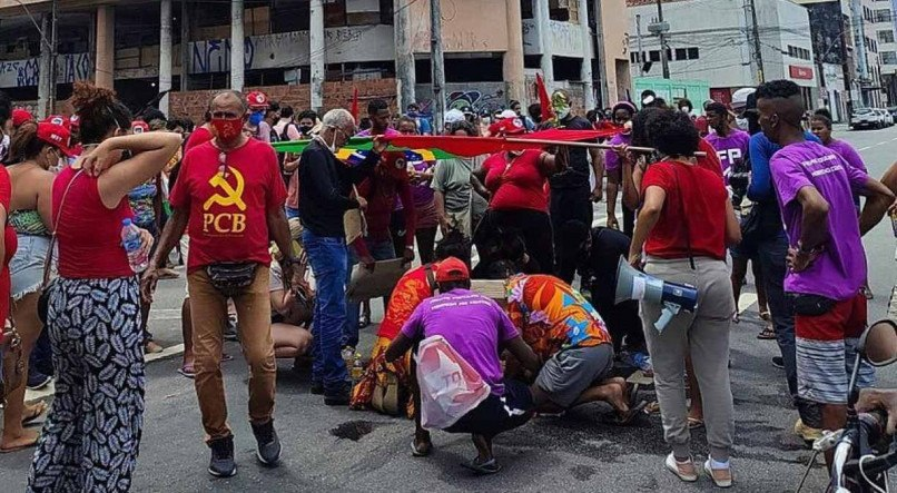 """1 whatsapp image 2021 10 02 at 14 09 48 19240926 - """"Não foi um ato político. Ele votou e vota no PT"""", afirma advogado de motorista que atropelou manifestante no Recife"""