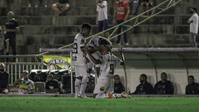 20211020200741 mg 9131 - Botafogo-PB vence Imperatriz e se classifica para a 3ª fase da pré-Copa do Nordeste