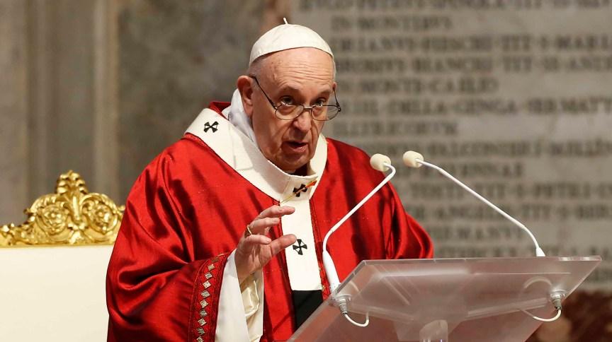 """6124 5B7A6EEA25180318 1 - Papa está """"imensamente triste"""" após relatório de pedofilia na França"""