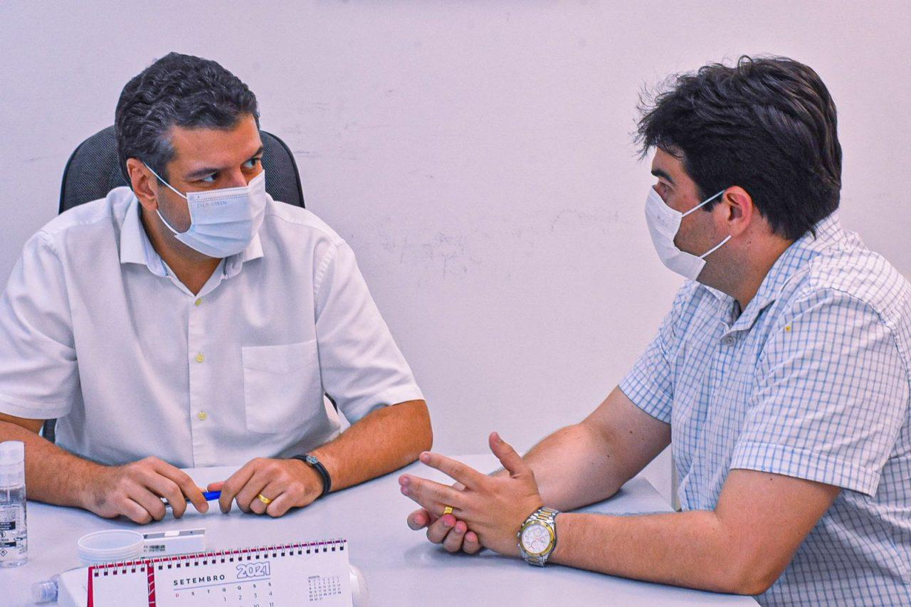 8ca150c7 9ecf f5be f47c b848ad8214f5 scaled - Eduardo participa de reunião para apresentar a Cícero Lucena plataforma para impulsionar comércio