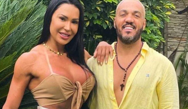 BELO - Gracyanne Barbosa mostra tatuagem íntima com nome de Belo