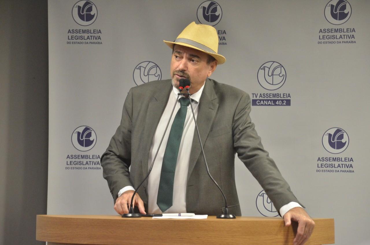 Deputado estadual Jeova Campos retornou a ALPB e ja tem agenda em Brasilia - Jeová Campos retorna à ALPB e já começa trabalho por Brasília cobrando as obras da transposição do São Francisco