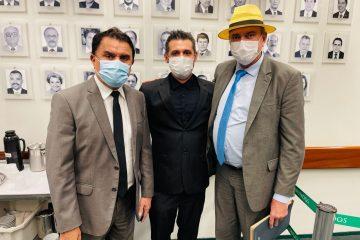 Jeová Campos e Wilson Santiago participam de reunião com o Ministro da Educação e defendem a criação do IFSPB
