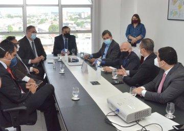 Deputados Ricardo Barbosa  Branco Mendes e Juthay Menezes viistam Pres Saulo B 04 10 2021 1 - Deputados estaduais visitam presidente do Tribunal de Justiça da Paraíba