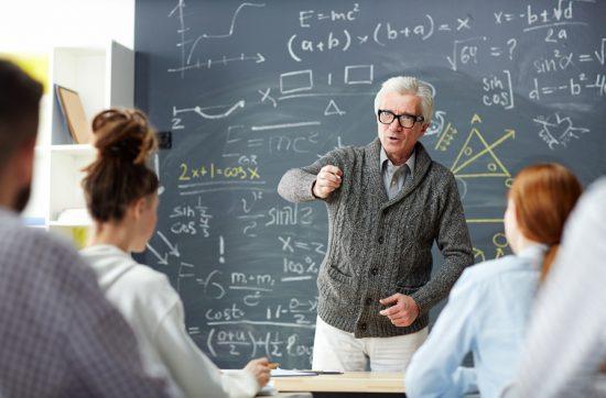 Pesquisa aponta profissão de professor como a mais confiável entre a população