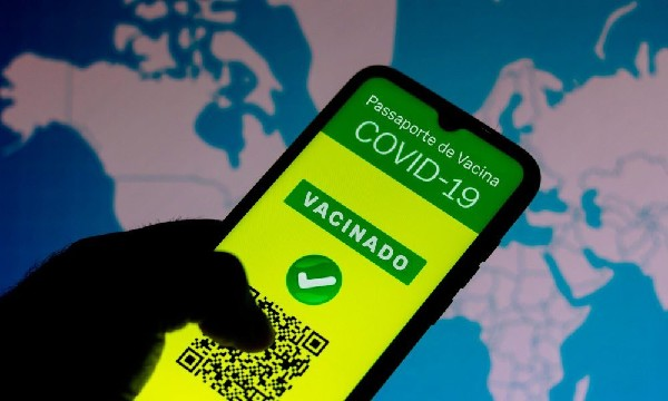 Img0 600x400 - Passaporte de vacina falso é vendido por R$ 500 em grupos anti-vacina de aplicativos