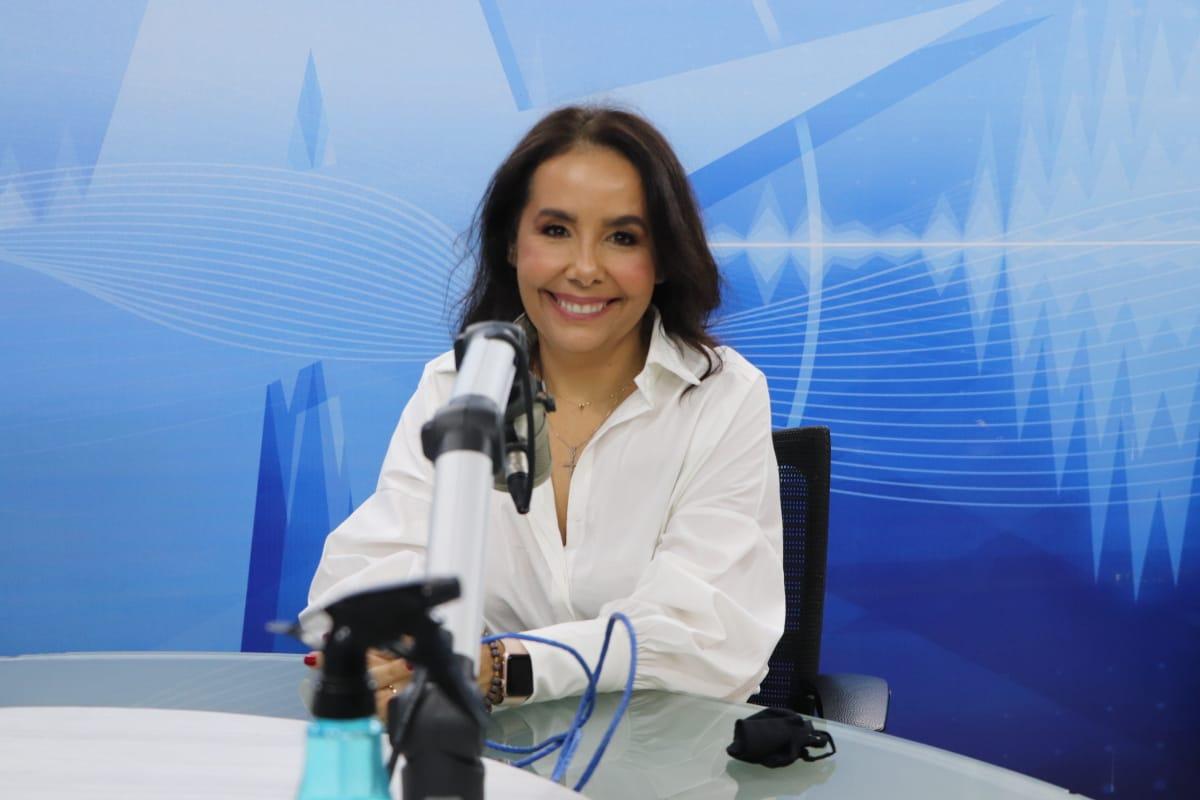 Maria Cristina 1 - Maria Cristina assume compromisso em relação à expansão do alvará eletrônico