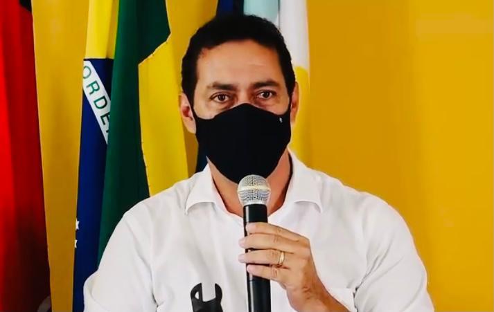 PrefLeoBandeira Lucena SonyLacerda - ESCÂNDALO: prefeito de Lucena é acusado de usar dinheiro da prefeitura para pagar escritório que o defende em processo de cassação na Justiça; confira