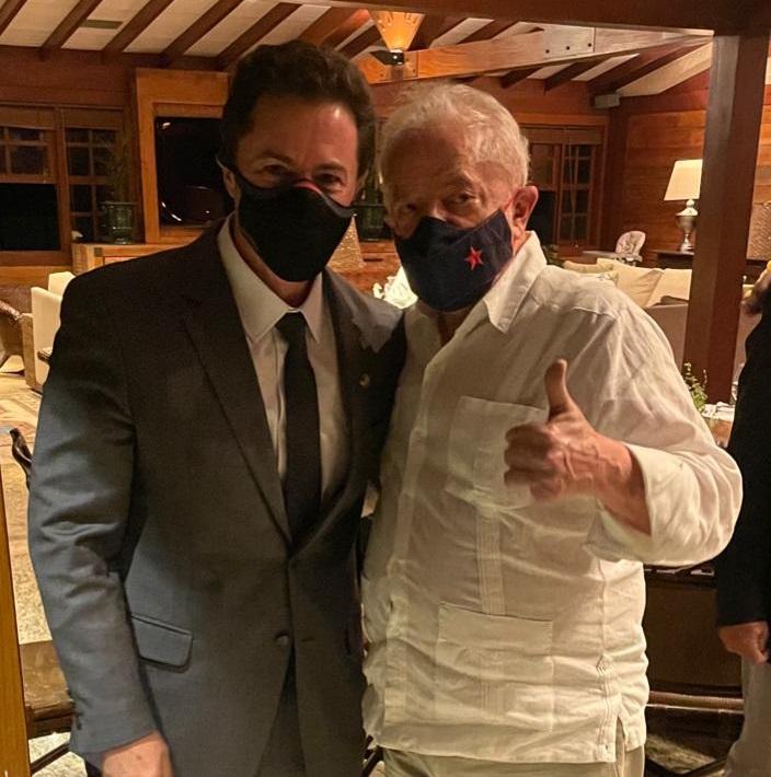 """WhatsApp Image 2021 10 07 at 08.11.32 - Presidente do Senado Veneziano janta com Lula em Brasília para discutir 2022: """"Momento importante"""""""
