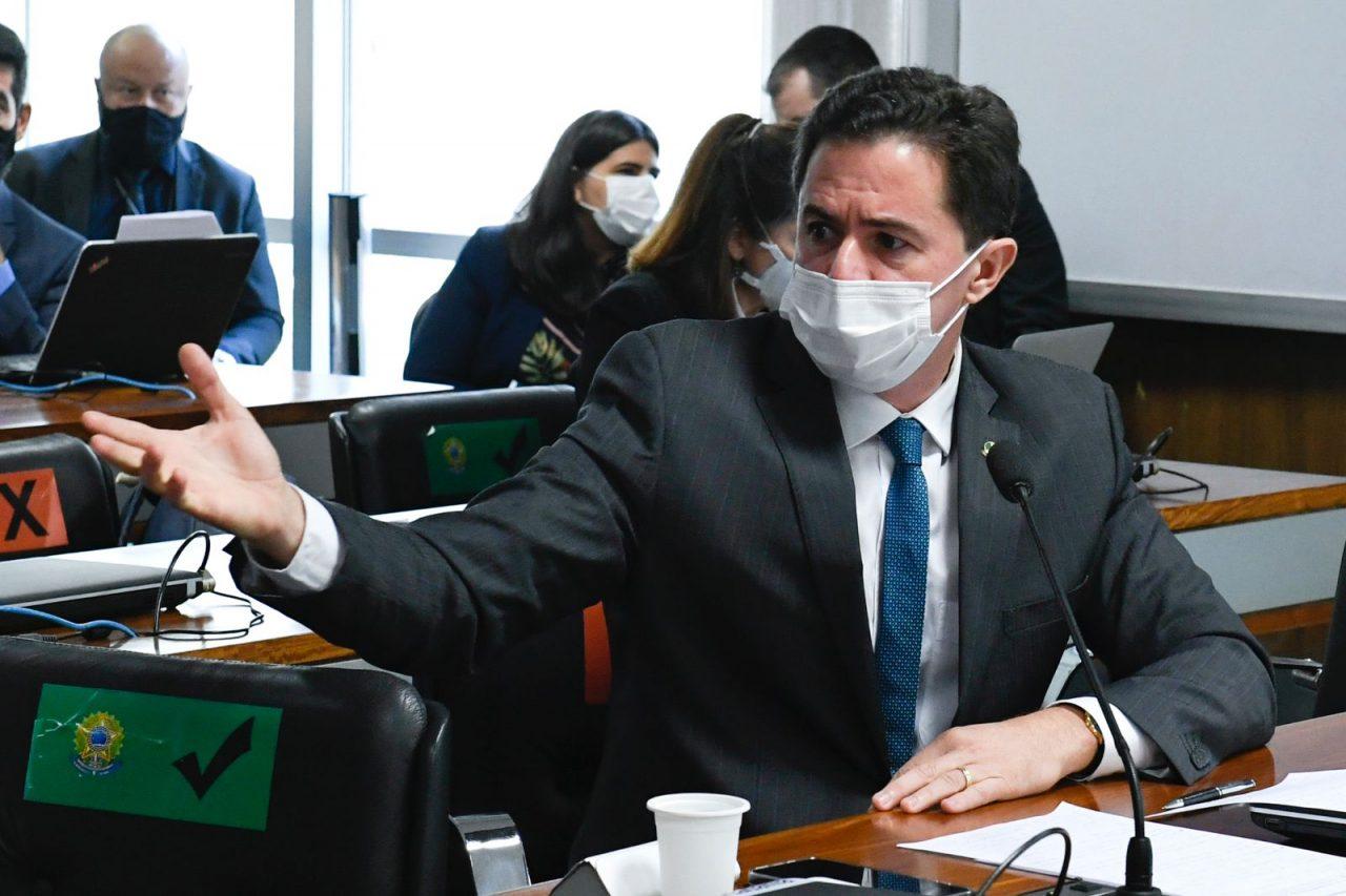 WhatsApp Image 2021 10 13 at 18.20.06 scaled - Relator do Certificado de Imunização no Senado, Veneziano destaca importância da instituição da nova norma pelos estados