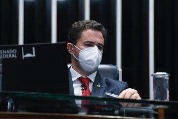 """Senador Veneziano Vital preside sessão do Senado que aprova """"Vale Gás"""" para famílias brasileiras de baixa renda"""