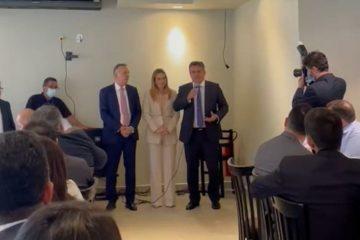 Em Brasília, Aguinaldo Ribeiro recepciona prefeitos paraibanos para tratar de parcerias e destinação de recursos