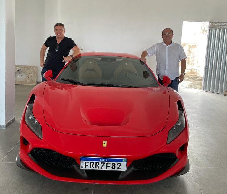 WhatsApp Image 2021 10 22 at 21.10.26 e1634953341372 - Sócio da Dommus Hall compra Ferrari F8 por milhões de dólares e é clicado em passeio por João Pessoa
