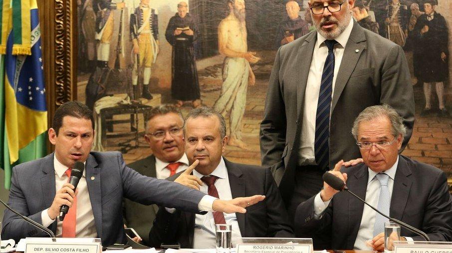 a3zbsij5l0fr4wd4lb846c7li - Parlamentares pressionam Guedes por prorrogação do auxílio emergencial