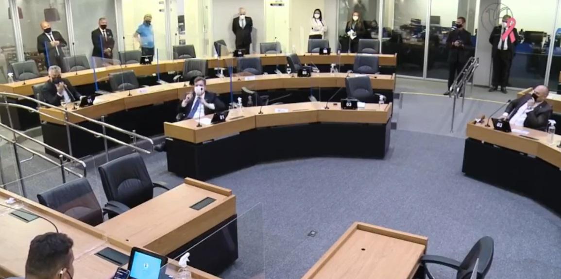 alpb deputados fora - Em sessão tumultuada, deputados se retiram da ALPB após Cabo Gilberto ter permanência autorizada