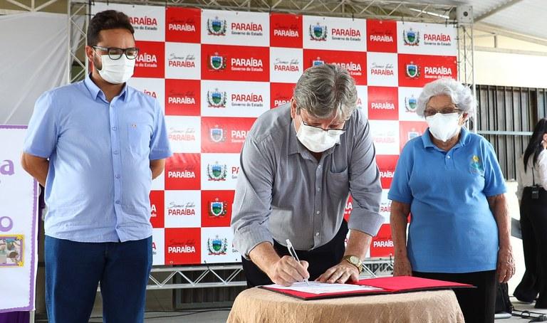 apae1 - João Azevêdo autoriza construção do Centro de Atendimento ao Autista e ginásio para a Apae