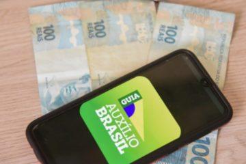 auxilio brasil 19102021184322299 360x240 - Auxílio Brasil, de R$ 400 mensais, será pago a partir de novembro, afirma ministro da Cidadania