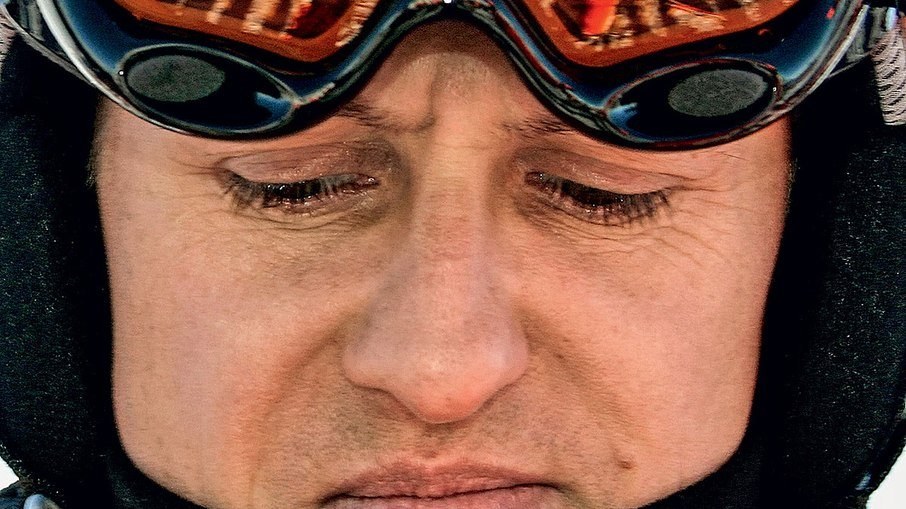 """b77i6km4wa4ms8xtyp456nhi1 - Fundador da Ferrari sobre Schumacher: """"Não está morto, mas não se comunica"""""""