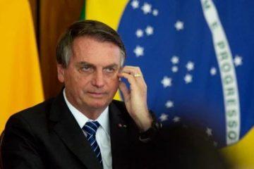 bolsonaro 2 360x240 - Bolsonaro culpa a imprensa por falsa relação entre vacina e aids