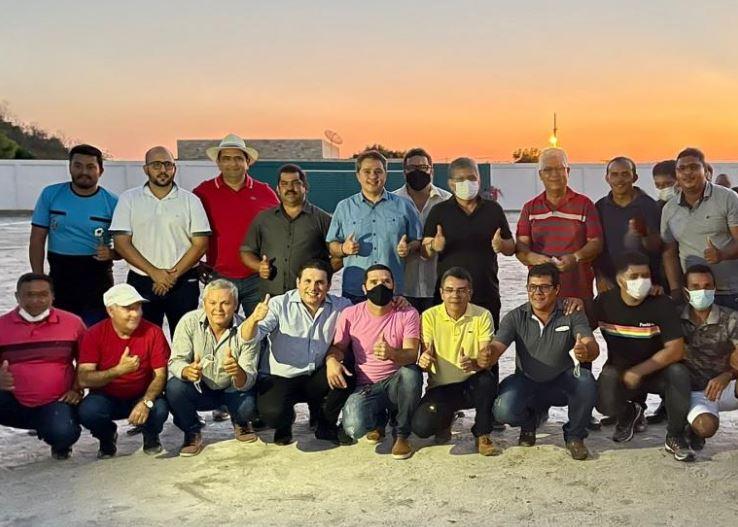 efr - Ao lado de Adriano Galdino e Hugo Motta, Efraim consolida apoio de mais um prefeito