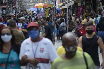 flexibilizacao uso de mascaras duque de caxias tmazs abr 061020214185 360x240 - IBGE: desemprego cai para 13,2% no trimestre encerrado em agosto